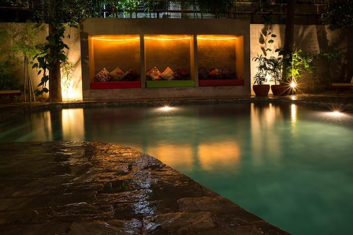 Great Poolside Double Room in Phnom Penh