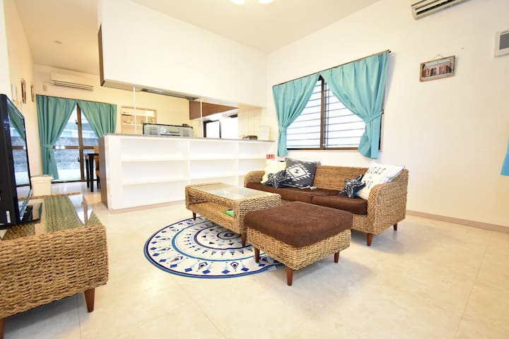 【Free WiFi&parking】Ocean view Condo! Near Hwy IC!
