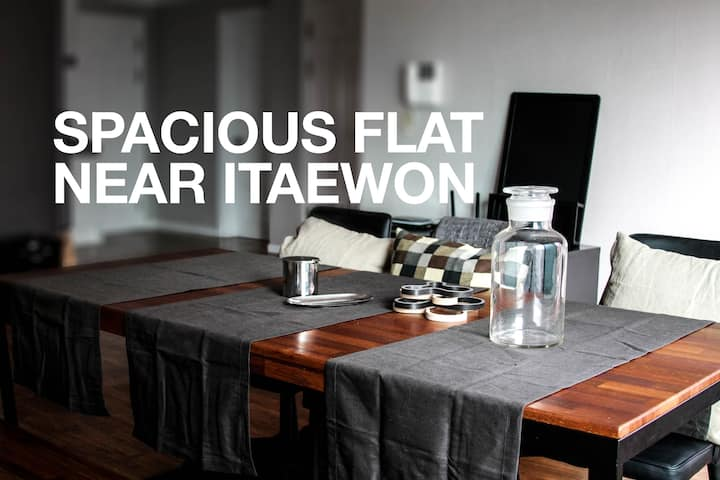 [ITAEWON] HUGE FLAT WITH 2 Bedrooms & 2 Bathrooms