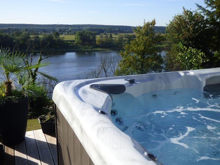 GITE SPA/PISC 2 pers,  vue panoramique Loire