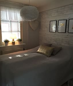 Ljus och fräsch 2a! - Upplands Väsby - 公寓