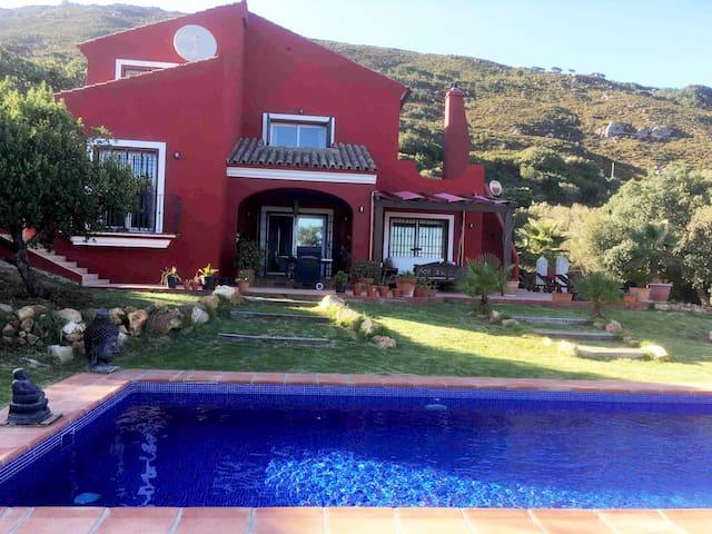 Chalet privado con piscina VILLA VICTORIA