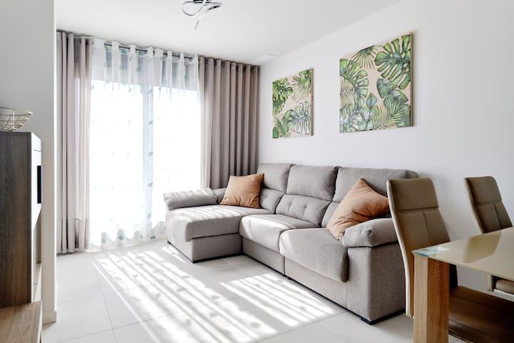 ¡*El Apartamento bueno está 600m hasta el mar*!