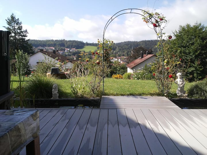"""Charming Vacation Apartment """"Anita Benz"""" with Mountain View, Wi-Fi, Terrace & Garden; Parking Available"""