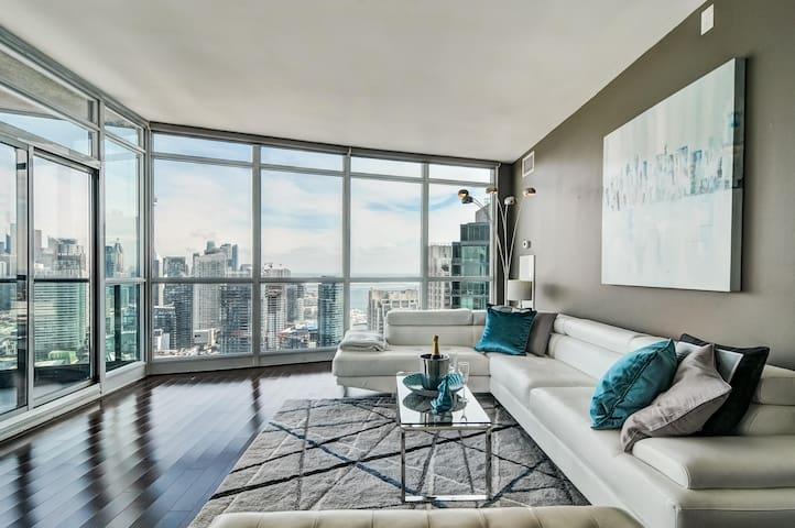 BeautifulLake&CityView Penthouse Downtown Toronto.