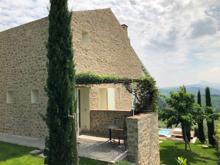 Casa Montebello romantica in campagna con piscina