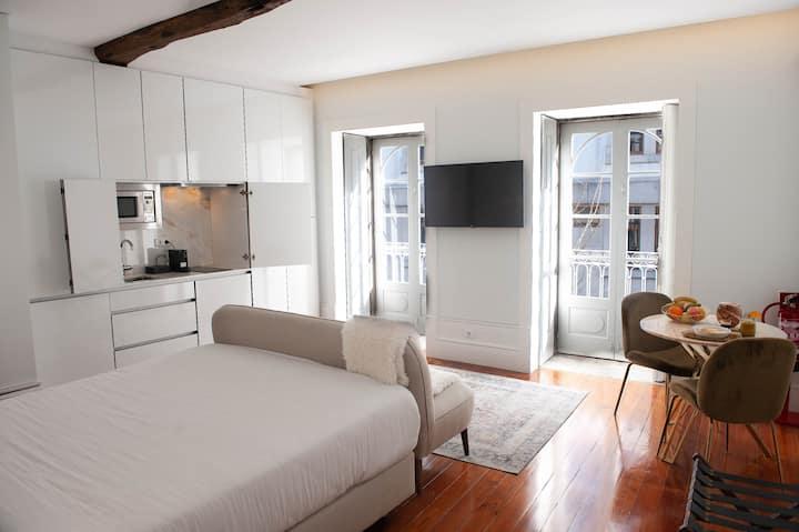 Deluxe Suite w/ Balcony City View - Guimarães In