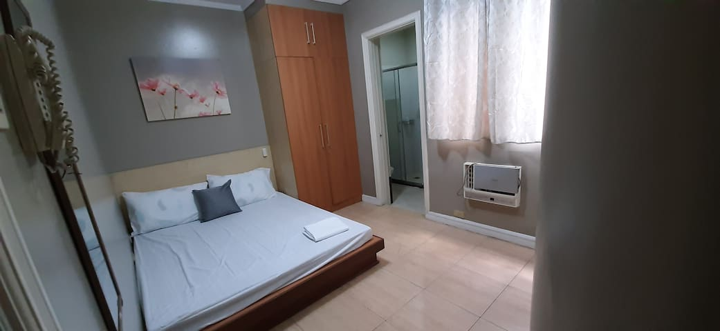 1BR Townhouse in San Juan nr LRT with Free parking
