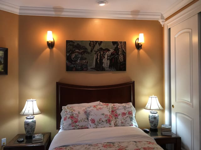 Memory foam mattress with premium bedding