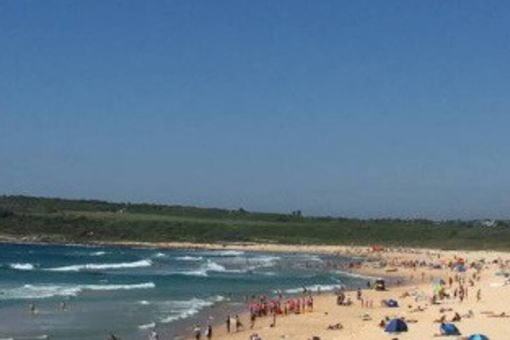 Maroubra Beach just a 10 minute walk away.