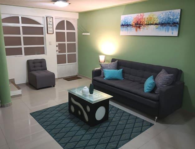 Cómoda casa en León Gto. con excelente ubicación