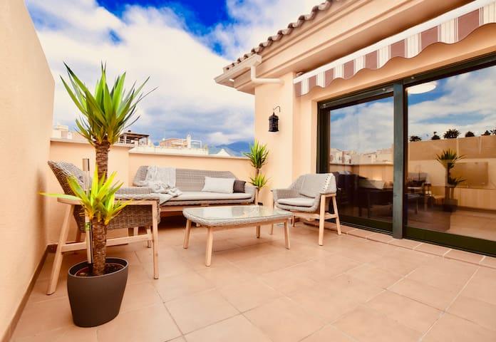 Underbar takvåning med egen privat takterrass