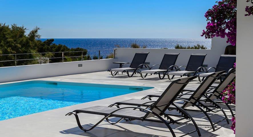 Superbe villa moderne avec très belle vue mer