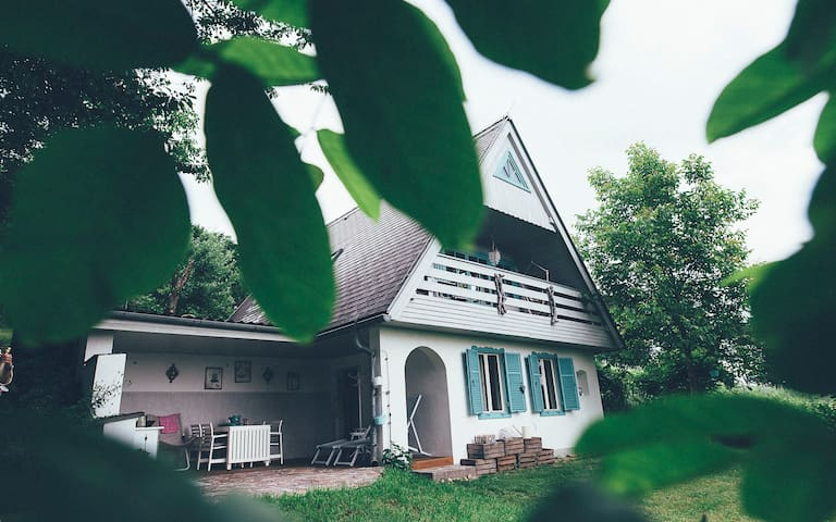 Romantisches  Vintage Häuschen in Traumlage - Jennersdorf - Huis