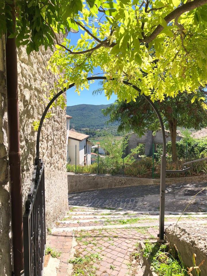 Casa con vista a Montenero Val Cocchiara