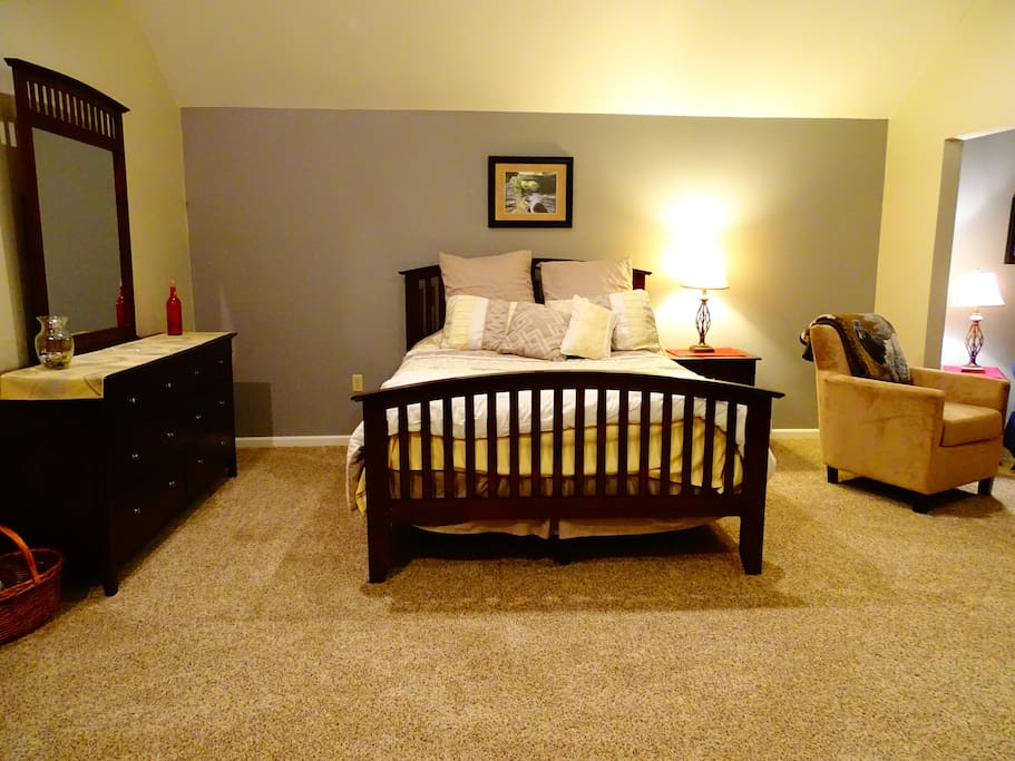 Cozy in coraopolis suite b apartments for rent in for Ikea pittsburgh pennsylvanie
