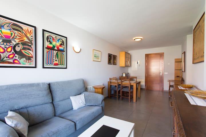 Apartment, swimming pool  & parking - Palma - Apartemen