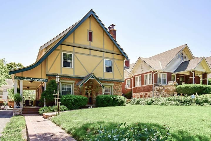 Master bedroom suite, Non-smoking No vaping