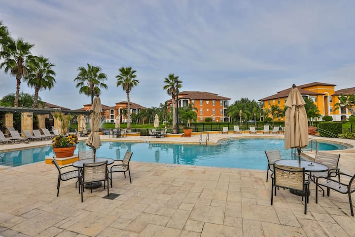 NEW LISTING IN SERENATA!! Lovely Resort Style Condominium Close to Shopping and Restaurants