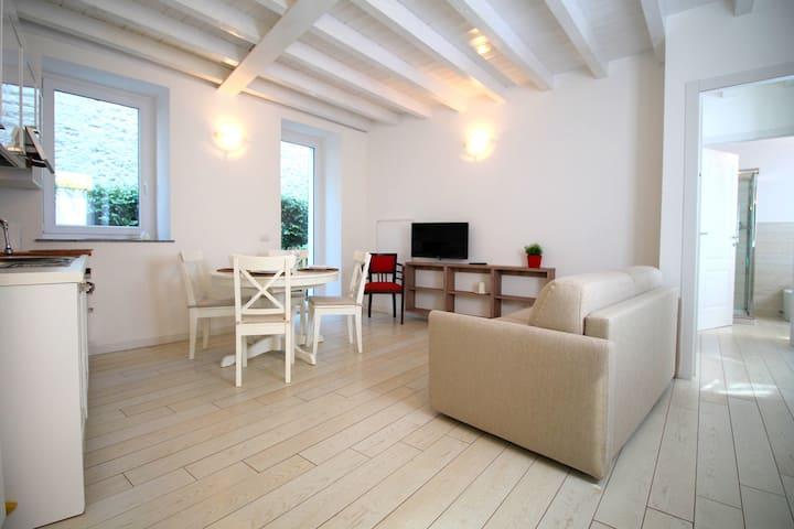 Lakefront Cadorna Apartment - Solo Affitti Brevi