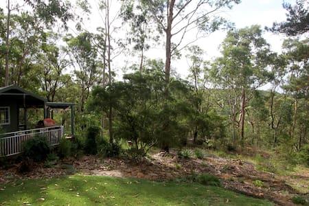Kookaburra Cottage: Bush Cabin - Blaxland - Blockhütte
