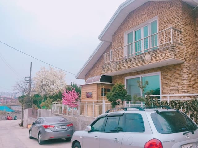 female dormitory(2bed,3bed,double) Andong Parousia - Andong-si - Rumah