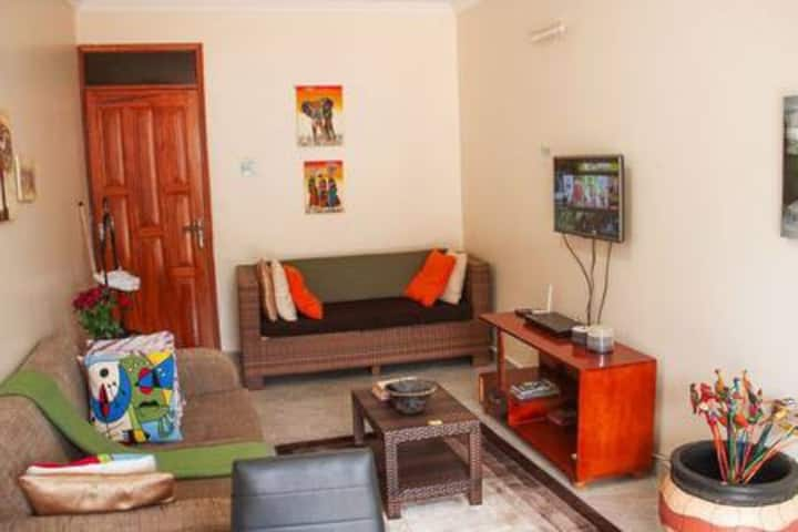 Deluxe City Apartment**Namirembe Rd. Unlimtd WIFI.