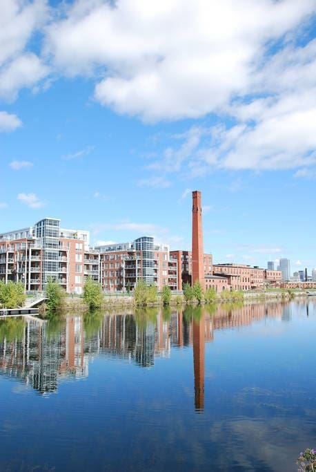 Located near the Lachine Canal, St-Henri Metro, and local food shops and restaurants