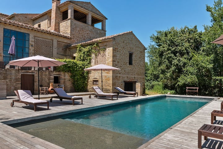Lovely Apartment in Anghiari with Swimming Pool