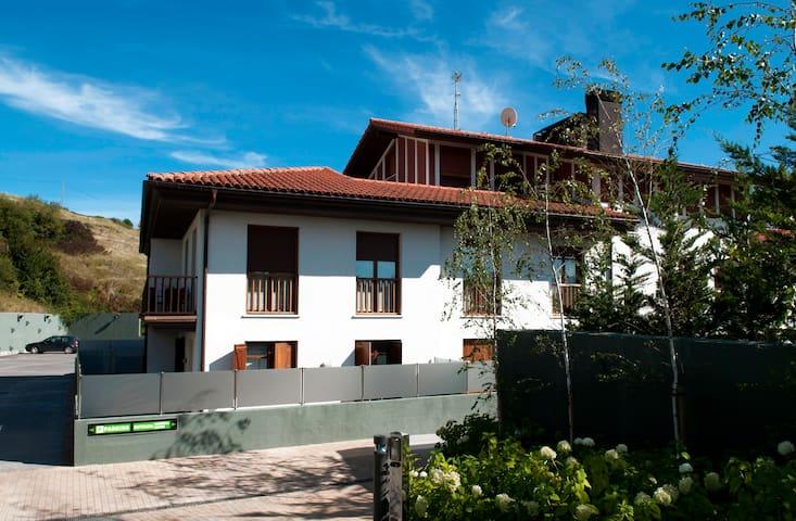 Talaimendi Apartamentuak Zarautz