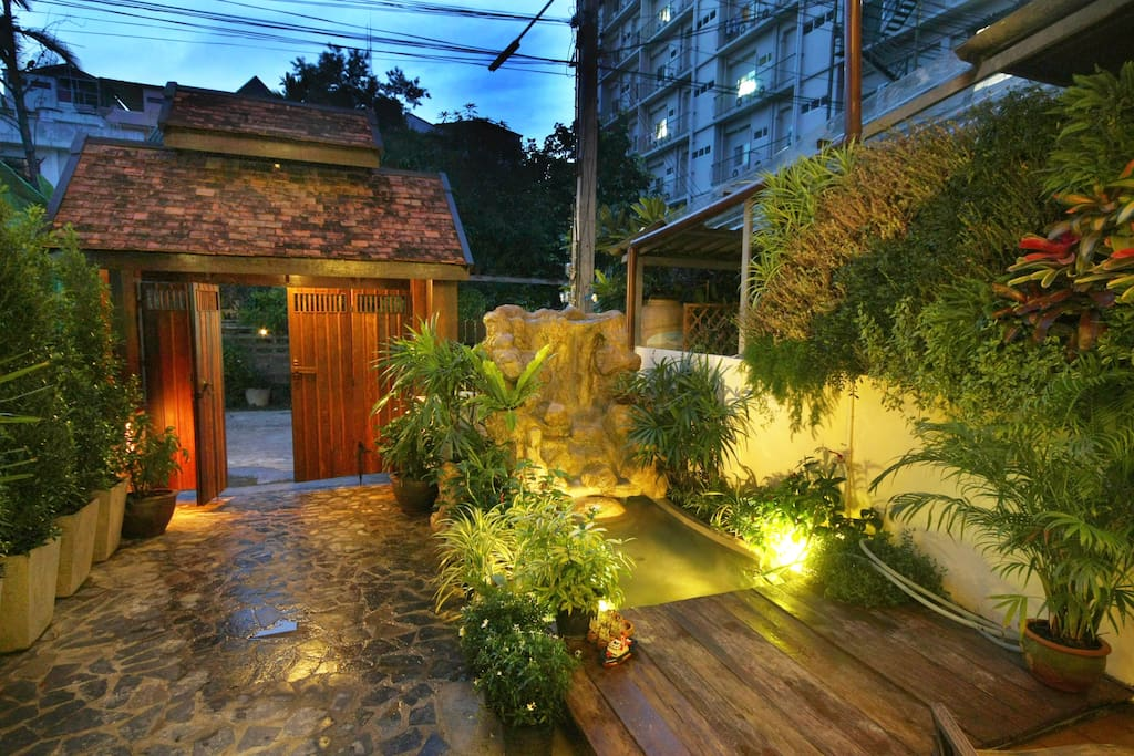 Nimit house no 7 near old town houses for rent in chiang for Classic house chiang mai