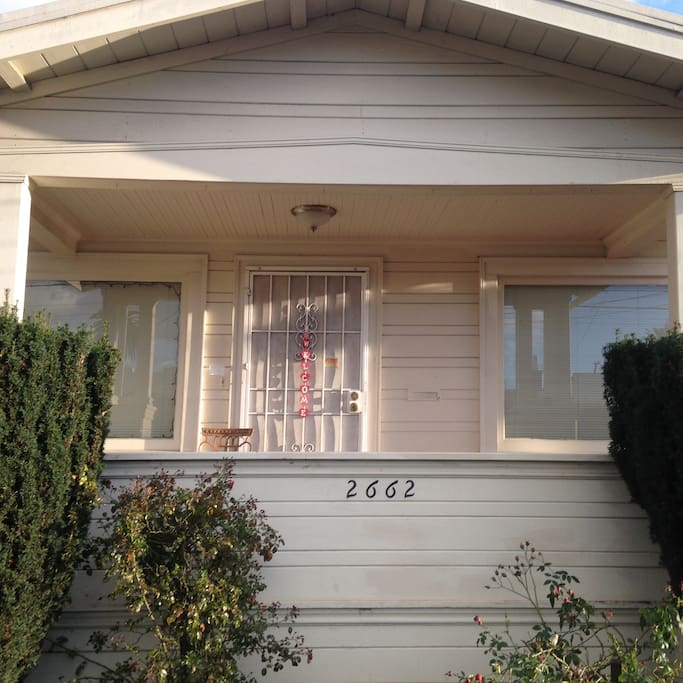 Little White House In Oakland Ca Houses For Rent In Oakland California United States