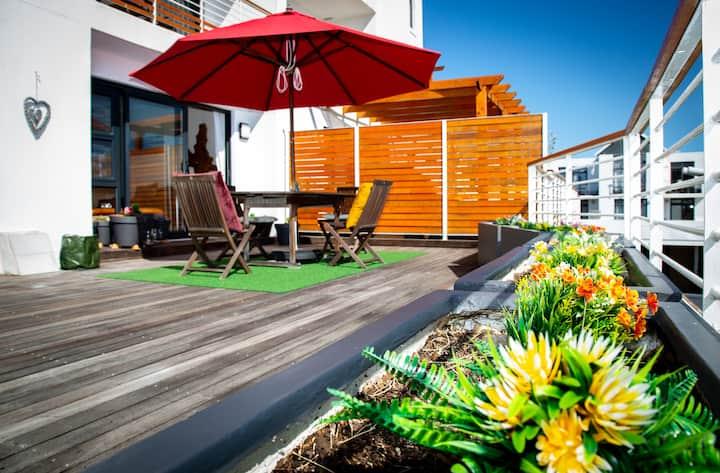 Luxury Seaside Apartment, Azure on Big Bay