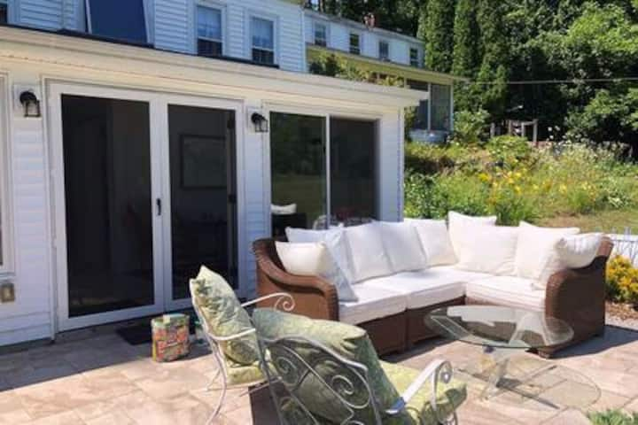 Private Room and Patio on Green Acres