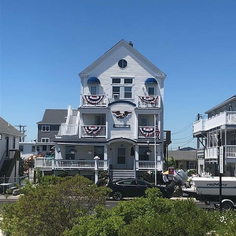 Beach Front 3 BR Directly across from the Beach!
