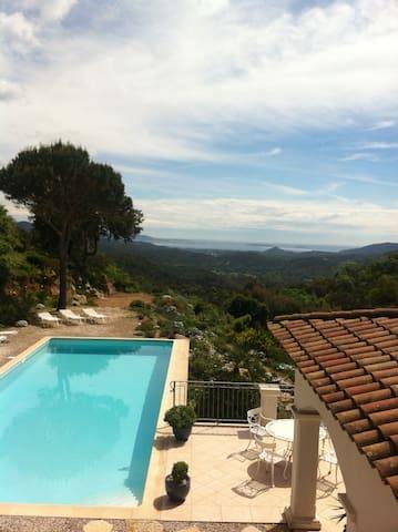 Bas  villa grand confort et piscine - Les Adrets-de-l'Estérel - Ev