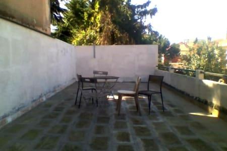 Grand T2 bis calme avec grande terrasse Toulouse - Tuluza - Apartament