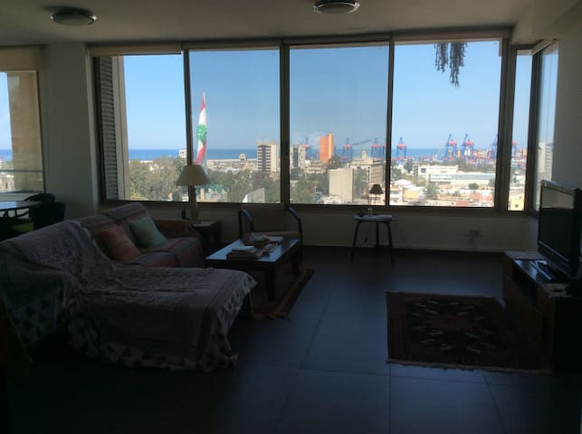 Large house with stunning views in Mar Mikhail - Beirut Governorate - Apartament