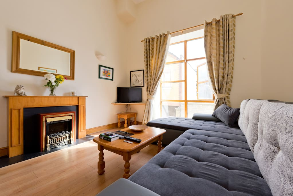 Sitting Room: Super King Double Sofa Bed