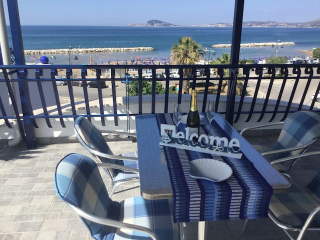 PANORAMIC APPARTEMENT AT THE BEACH
