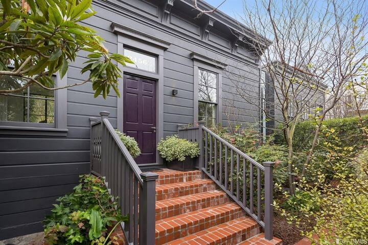 Spectacular Home + Private Yard in Pacific Heights