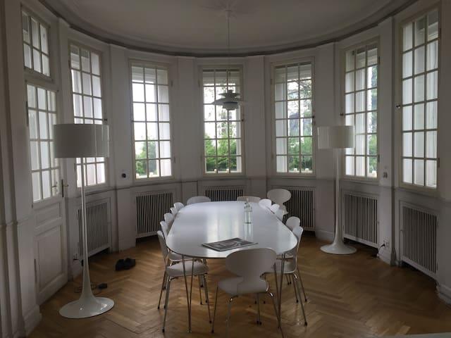 Luksus villalejlighed i Hellerup - Hellerup