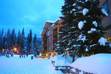 Fireside Lodge ski in/out 1 bedroom - Leilighet