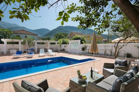 Aria apartments with pool in Budva (5)