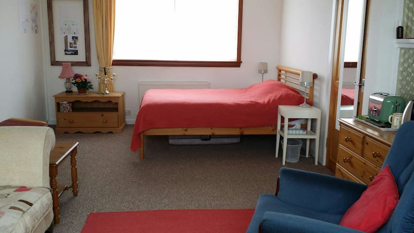 Big, Bright, Airy, Double Bed-sitting Room