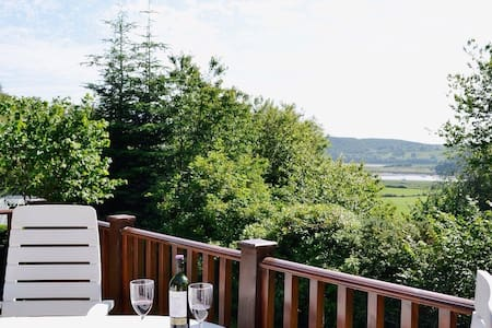 Delightful Cedar Lodge in Kippford, S. W. Scotland - Dumfries and Galloway