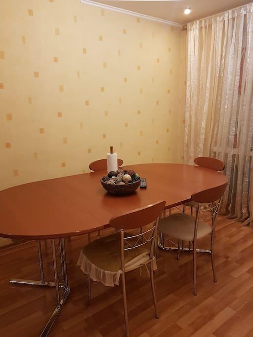 столовая на 8 человек