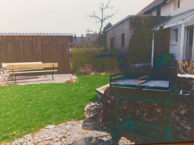 Zwei Zimmer - Wohnung mit Garten und Stellplatz - Eichstätt - Leilighet