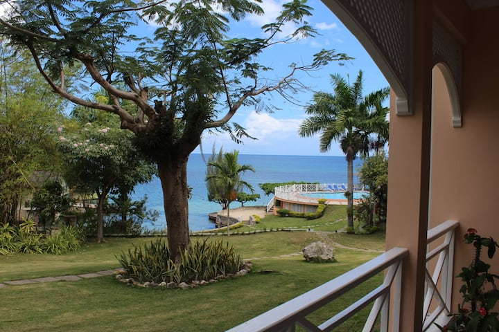 Sea Front Apartment, Ocho Rios
