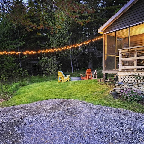 Forest Cottage, fully renovated 2 bedroom.